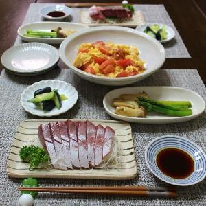 8月です♪刺身とトマトと玉子の中華炒め
