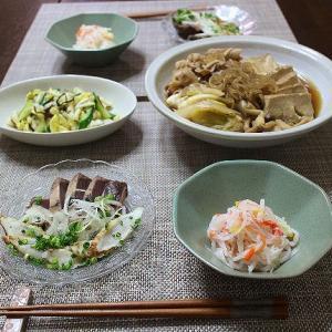 すき焼き風のすき煮とたたき2種でご飯が進みます♪