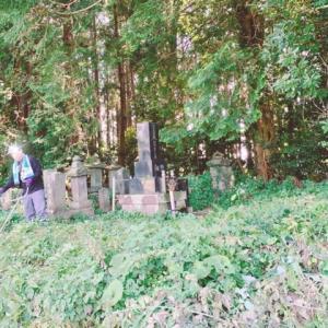 お盆前のお墓の掃除と山口土産