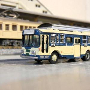 三菱ふそうから日野に改造したTOMIX製バス