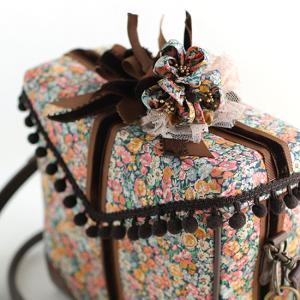 新作は「肩パッド付★プレゼントボックスバッグ」サンプルアップ
