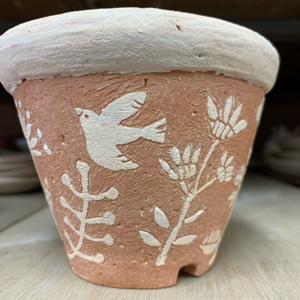 掻き落としのボタニカル鉢