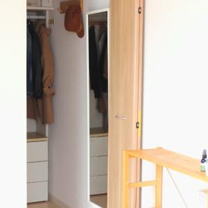 ニトリが大正解!クローゼットのニット収納が一気に見やすくなりました! & 無印だらけの寝室にコレ!