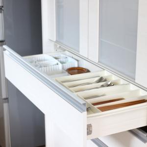 キッチン食器棚の悩みがセリアで一発解決した話!コスト的にも&ラクさも最強ですヾ(´∀`*)ノ