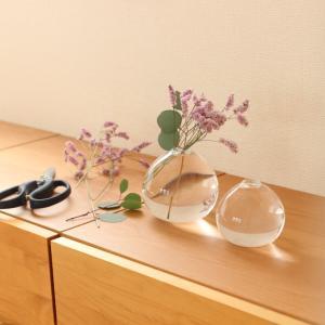 ズボラでもお花やグリーンを簡単に飾れるワケ。少ないお花で楽しめる花器が最高でした! & ポチレポ