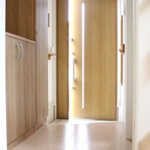 ダイソーの超コンパクトな便利グッズ。玄関がスッキリ広く使えるようになる神グッズでした!