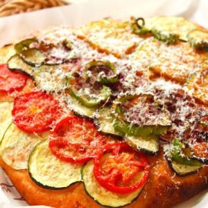 もりもり夏野菜とパルミジャーノ・レッジャーノのフォカッチャ