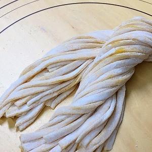 手作りフィットチーネでボロネーゼとマルゲリータトースト