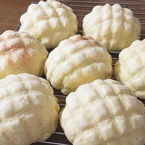 発酵バター香るサクサクメロンパンとマルゲリータ