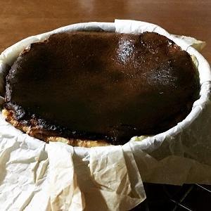 シャインマスカットのクリーム大福 ブルーブリー入りバスクチーズケーキ