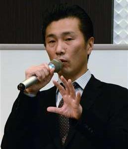 菅首相の補佐官に崎明二氏(59歳)