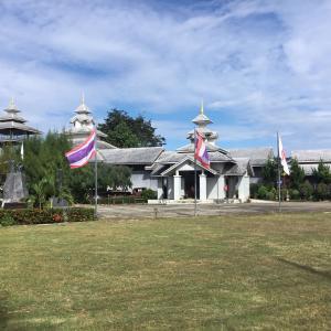 クンユアム町にあるタイ日友好記念会館を見学