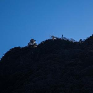 金華山 めい想の小径〜百曲がり 信長ゆかりの金華山の入口