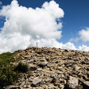 篭ノ塔山 登山 水ノ塔山からの清々しい稜線を歩く