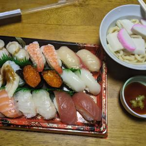夕食がうどん生活 金曜日でした(*^_^*)