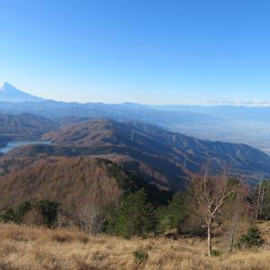 晴れた小金沢山と牛奥ノ雁ヶ腹摺山・1:予定外の大菩薩嶺と稜線歩き