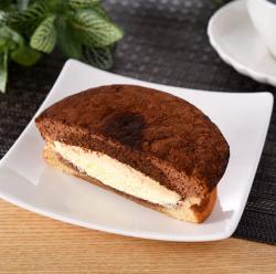 【ファミリーマート】ふわふわティラミスケーキ(イタリア産マスカルポーネ入りクリーム)
