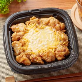 【ファミリーマート】とろーりチーズの唐揚丼