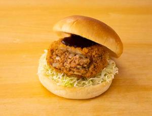 【ローソン】DAIZU MEATのメンチカツバーガー