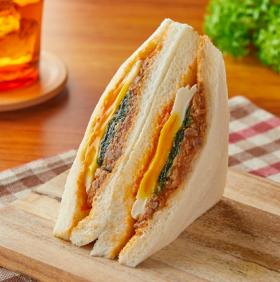 【ファミリーマート】ビビンバ風サンド