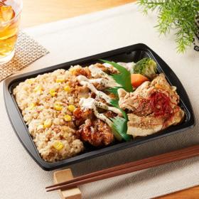 【ファミリーマート】スタミナ豚焼肉&鶏唐揚弁当(ガーリックピラフ)