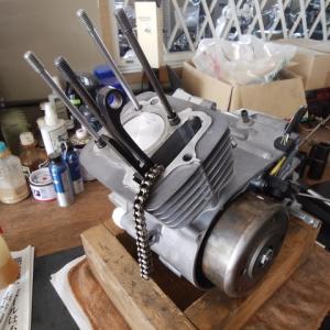 久しぶりにミニのエンジンだらけ