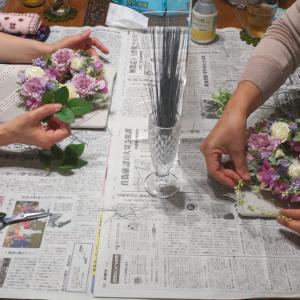 同じ花材でも個性が出る♪母の日リースレッスン