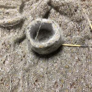 ご機嫌に編み進めてたら・・・