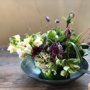 春が待ち遠しいね お花の飾れる教室に