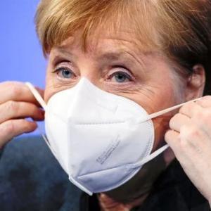 布マスクは、禁止⁉️ドイツは医療用マスクを義務化。