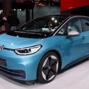 VW、小型EV「ID.3」を発表 最長550キロ走行