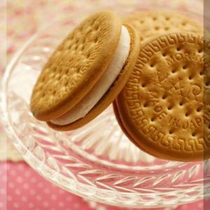 * サクサクとろ〜り♪市販のクッキーで簡単「アイスサンド」はいかが?