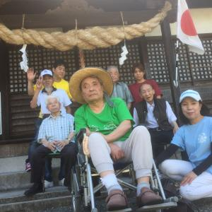 みんなで辛木神社へ行きました(*´▽`*)