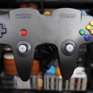 NINTENDO64のコントローラーふたつを合体させた奇妙なコントローラーが発見される 他