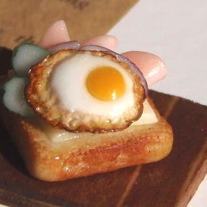 ミニチュア 食パンサンドイッチ ハム&チーズ