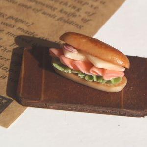コッペパンサンドイッチ ハム&チーズ
