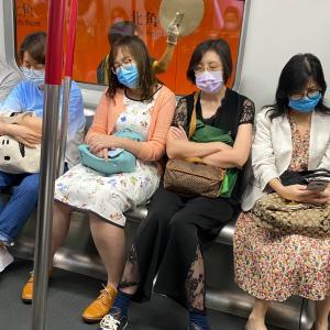香港人だって空気を読んだり疲れている