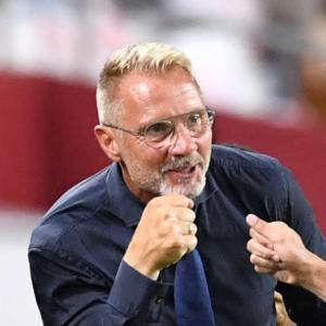 ヴィッセル神戸、フィンク監督の電撃退任を発表!「このクラブの監督であったことを誇りに思います」