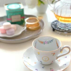 優雅な気持ちになれる♡エレガントな小花のカップ&ソーサー~体験レッスン生徒さま作品~