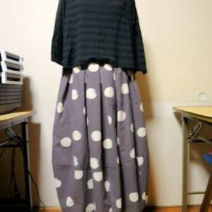 ドット模様のバルーンスカート