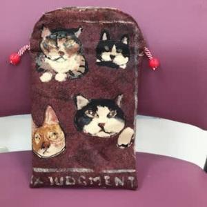 猫ちゃん模様のポーチ