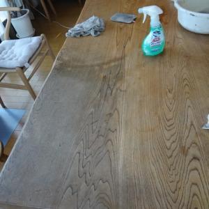 自宅のテーブルのメンテナンス