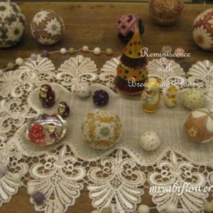 讃岐かがり手まり 山茶花 と クリスマスの手まり