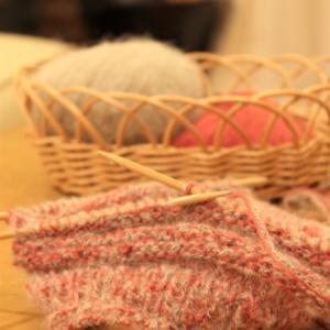 もふもふの毛糸でまた帽子を編むの巻