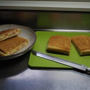 ポイントは鍋+鍋⋯⋯ホットサンド作りの新ワザ開拓!