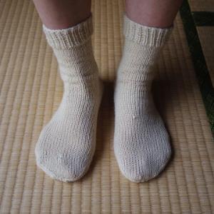 編み物初心者が靴下を完成させました。合計23時間もかかりました