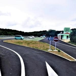 伊良部島・「通り池」の新しくできた駐車場を見に行く 観光客の皆さんは目下の宮古のコロナ状況をご存じであろうか