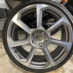 ★先日の施工 アウディ TT RS ホイール修理 カスタム塗装★