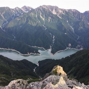 中部山岳 針ノ木岳を越えて Day2 針ノ木峠から針ノ木岳を越えて赤沢岳へ     Mount Harinoki in Chūbu-Sangaku National Park
