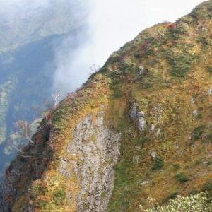 南魚沼市 十字峡から中ノ岳と利根川水源を歩く(前編)     Mount Nakano in Minamiuonuma, Niigata